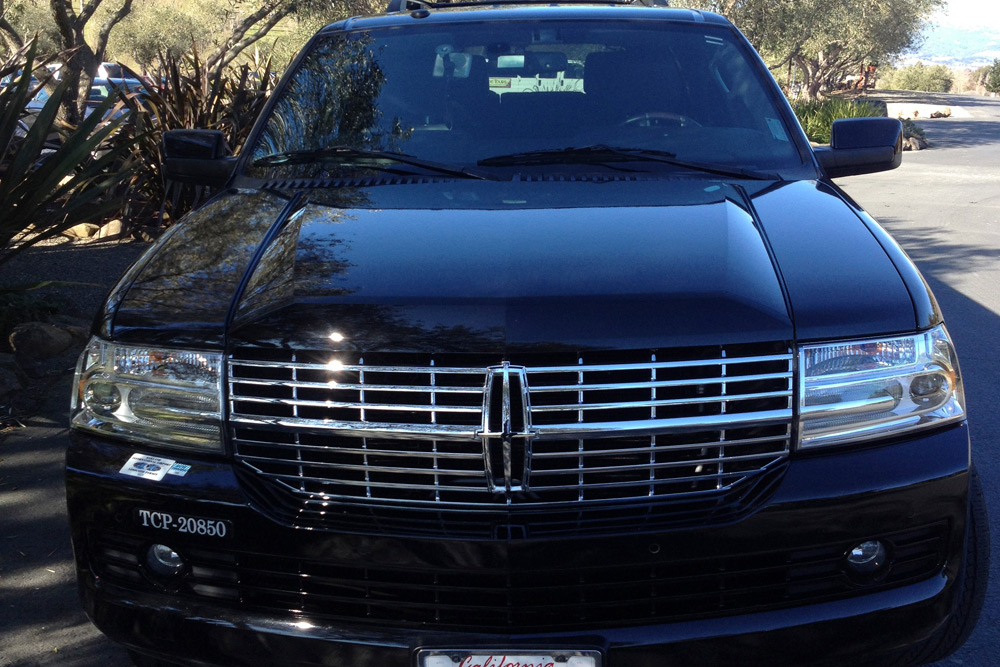 Lincoln Navigator SUV Front