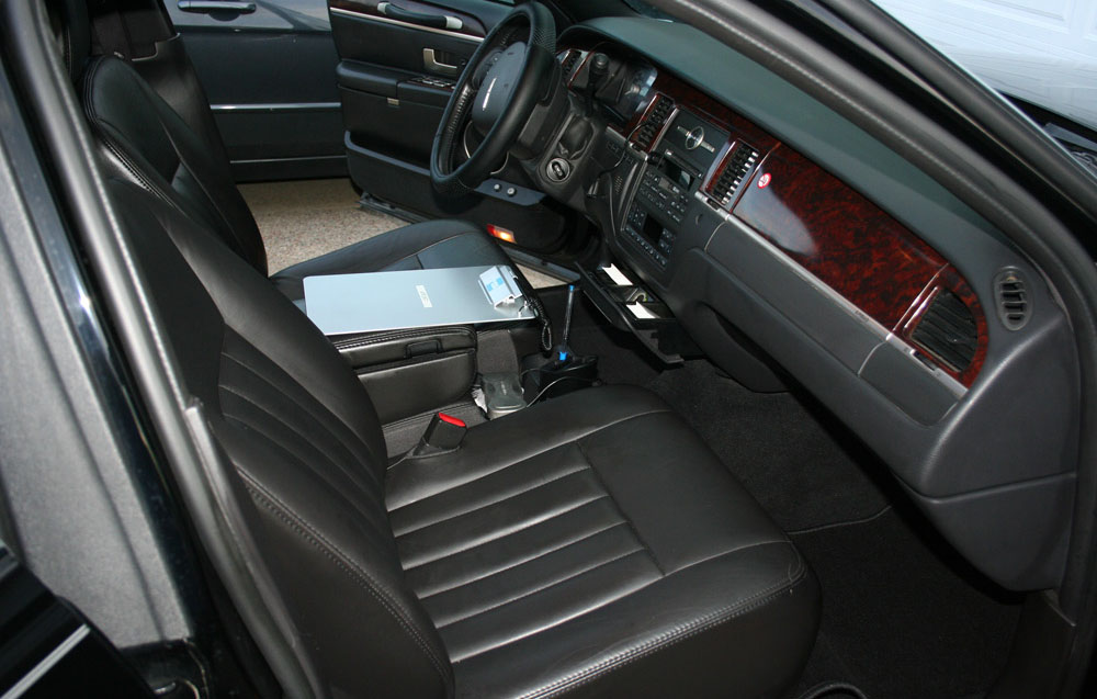Lincoln Town Car Interior Front